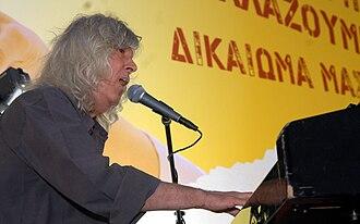 Loukianos Kilaidonis - Loukianos Kilaidonis sings at a Syriza festival in Kotzia Square in Athens