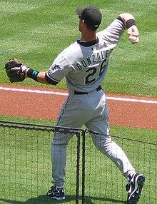 Luis Gonzalez (outfielder) - Wikipedia