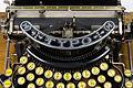 Machine à écrire Typo (jaune) 04.jpg