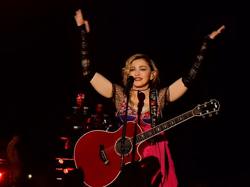 File:Madonna - Rebel Heart Tour 2015 - Paris 2 (23751614269).jpg