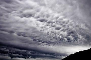 Mammatus cloud02.jpg