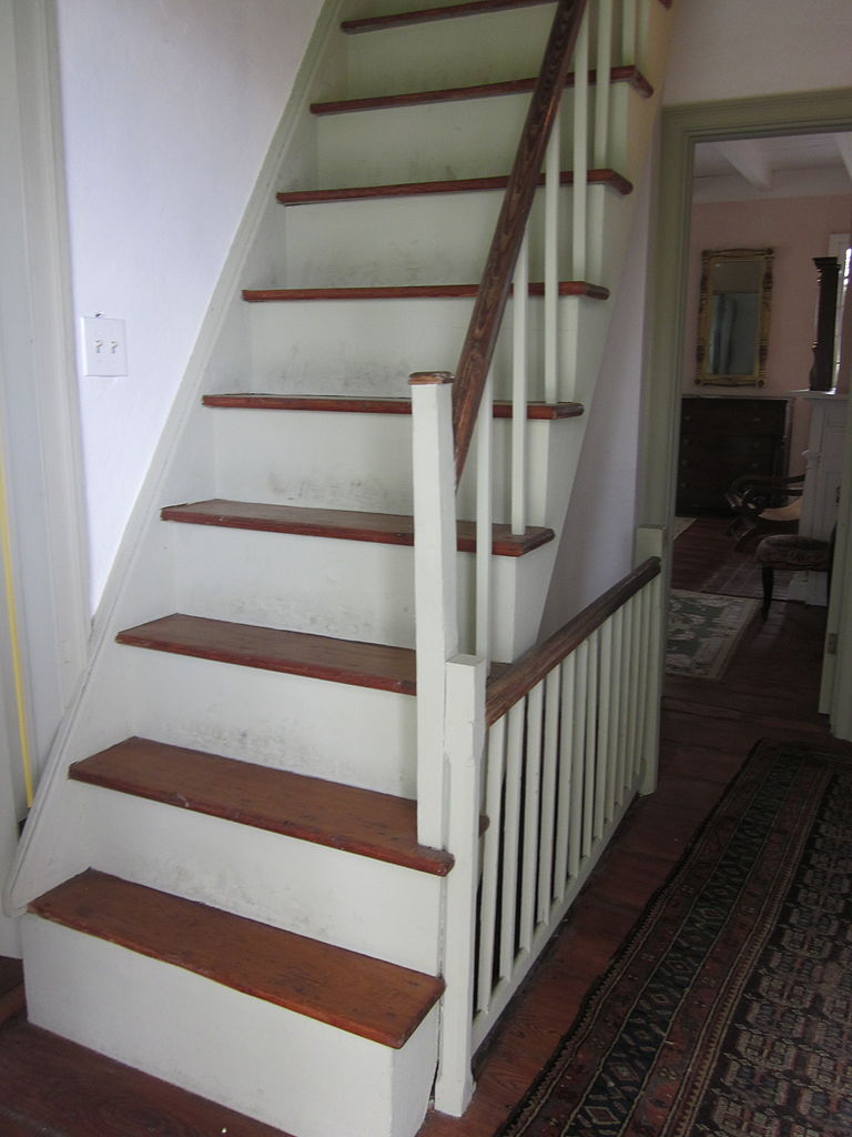 File Mary Plantation House Upstairs Interior Stairs To