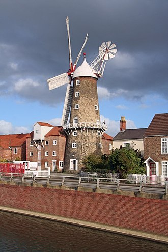 Maud Foster Windmill - The mill tower