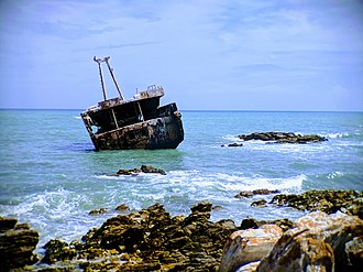 L'Agulhas - The wreck of the Meisho Maru near Cape Agulhas