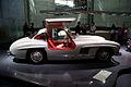 Mercedes-Benz 300SL 1955 Flügeltüren Gullwing Coupè RSide NoFlash MBMuse 9June2013 (14980524221).jpg