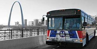 MetroBus (St. Louis) - Image: Metro Bus and St Louis Gateway Arch