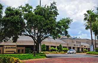 MetroWest (Orlando) - MetroWest Village, the first shopping center established in the community