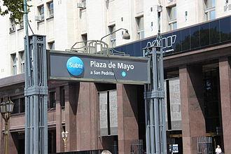 Plaza de Mayo (Buenos Aires Underground) - Image: Metro entrance Plaza de Mayo
