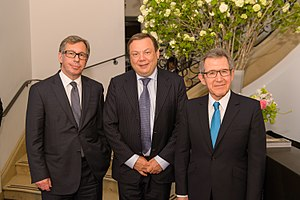 Mikhail Fridman - Fridman (center) with colleagues Petr Aven and Lord Browne
