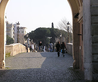 Ponte Milvio - Pathway over the Milvian bridge