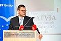 Ministru prezidenta VDombrovska un ekonomista A. Aslunda grāmatas atvēršana (5764505245).jpg
