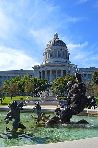 Missouri State Capitol - Missouri State Capitol and Fountain of the Centaurs (north side)