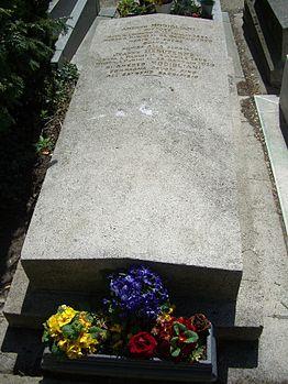 Modigliani gravestone.jpg