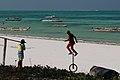 Monocycle à Jambiani, Zanzibar.jpg