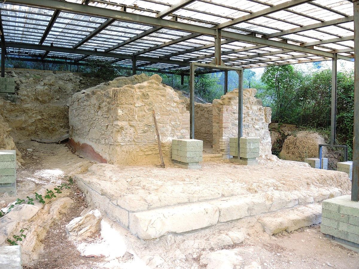 Tempio di ercole montorio al vomano wikipedia - Piscina montorio al vomano ...