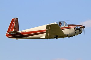 Mooney M-18C (N70DV).jpg