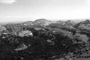 Mount Holmes - Image: Mount Holmes Trilobite Point YNP1967