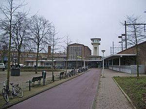 Amsterdam Muiderpoort railway station - Image: Muiderpoort beneden
