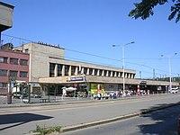 Nádraží Praha-Smíchov, vstup.jpg