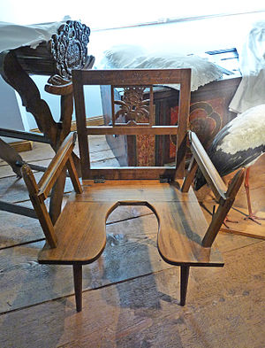 Birthing chair - Wooden birthing chair