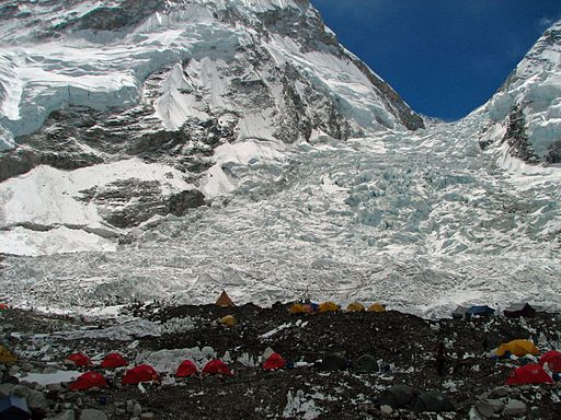 Nepal - Sagamartha Trek - 186 - Khumbu Icefall (plus climbers) (497684556)