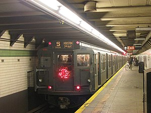 R6 (New York City Subway car) - R6 car 1000 in special holiday service at 23rd Street on the IND Sixth Avenue Line
