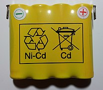 NiCd accumulator with recycling pictograms.jpg