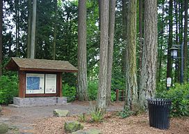 Noble Woods Park trailhead.JPG