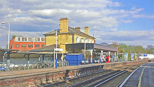 Norbiton railway station - Image: Norbiton station,2007 geograph 3795194 by Ben Brooksbank