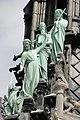 Notre-Dame-de-Paris, figures d'apôtres à la base de la flèche.jpg