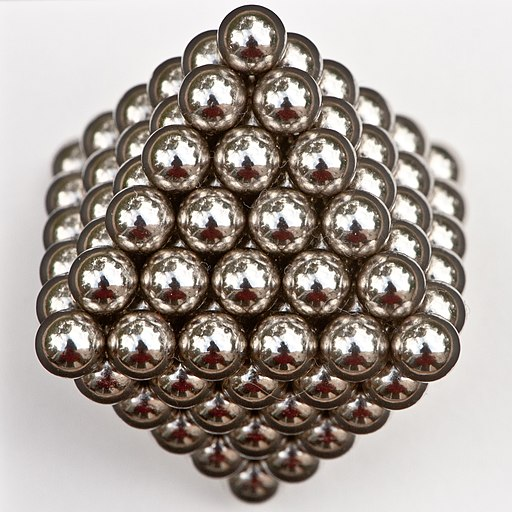 146 magnetic balls, packed in the form of an octahedron