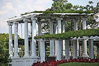Old Amphitheater - looking E at dais - Arlington National Cemetery - 2011.JPG