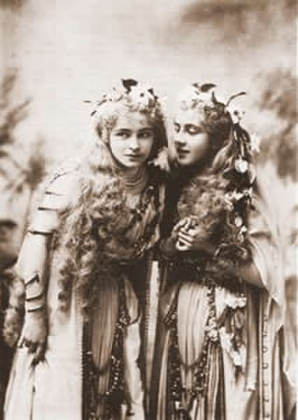 Utopia, Limited - Owen and Perry as Nekaya and Kalyba