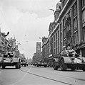 Parade en defilé. Pantserwagens op het Rokin, Bestanddeelnr 900-4692.jpg