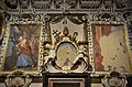 Paret amb frescos i estucs, capella de sant Pere Apòstol, catedral de València.JPG