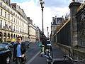 Paris 75001 Rue de Rivoli sidewalk Jardin des Tuileries.jpg