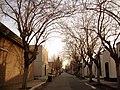 Paz, en las calles de un atardecer de invierno sobre el cementerio de la capital - panoramio.jpg