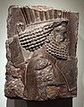 Periodo achemenide, frammento di rilievo con guardiano in processione dal palazzo di serse a persepoli, 486-465 ac ca.jpg