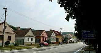 Pernek - Main street typical houses