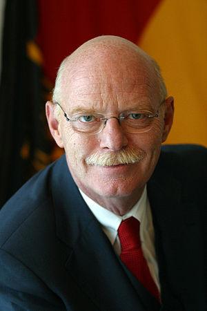 Deutsch: Peter Struck, deutscher Politiker (SP...