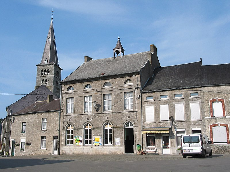 Petigny   (Belgium), the previous communal house