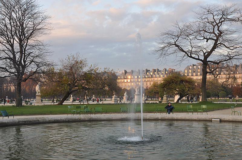 File petit bassin rond c t sud jardin des tuileries 002 for Bassin rond pour jardin