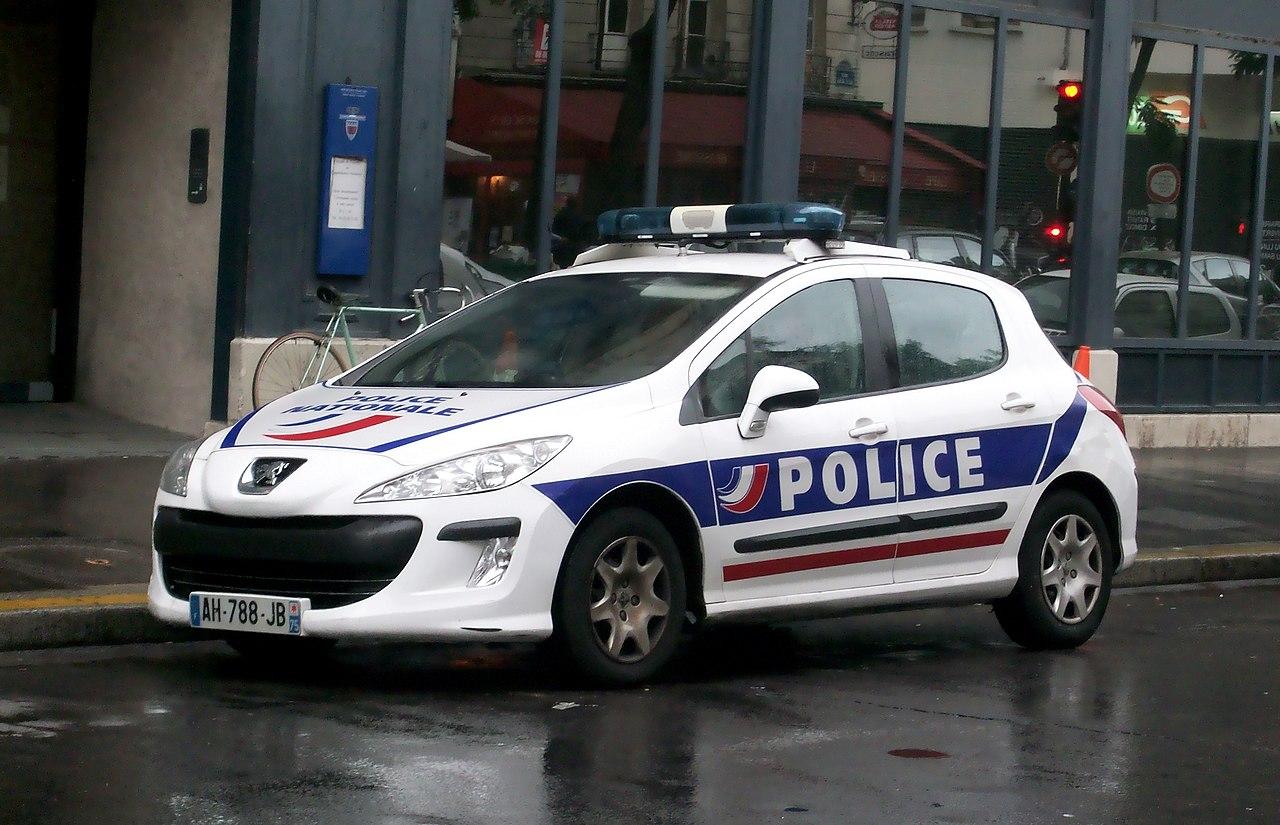 file peugeot de la police nationale 3e arrondissement de paris septembre 2013 jpg wikimedia. Black Bedroom Furniture Sets. Home Design Ideas