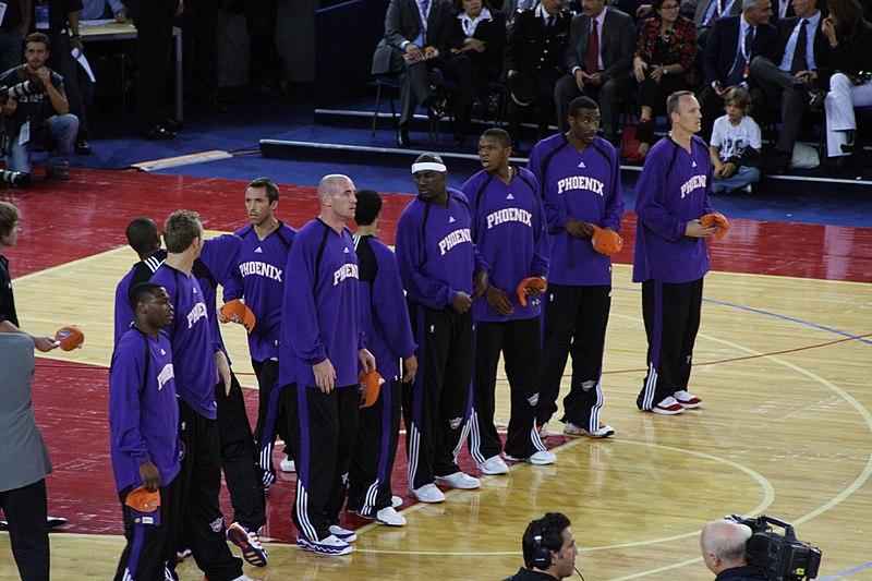File:Phoenix Suns players at 2006 NBA Europe tour, Rome.jpg