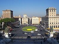 Piazza Venezia a Roma.jpg