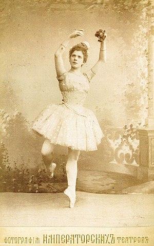 Raymonda - Image: Pierina Legnani in Raymonda, act I, 1898