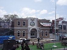 Warner bros movie world wikipedia the former police academy stunt show one of movie worlds opening day attractions gumiabroncs Image collections