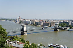 Pont des Chaînes Budapest.jpg