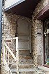 Porte de l'ancienne maison de l'éperon (Le Mont-Saint-Michel, Manche, France).jpg