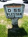 Poteau Michelin à La Malhoure.jpg